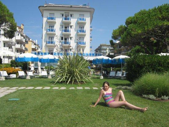Hotel Croce di Malta Veneto : чудесный садик  для семейного отдыха