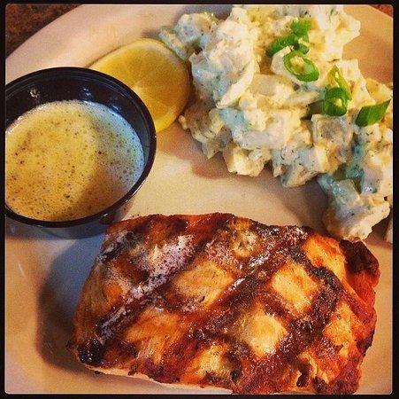 Brewster's Restaurant : Salmon with potato salad