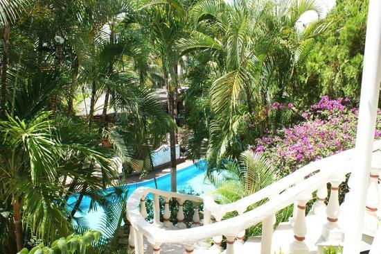 Hotel Aventura Mexicana: piscine vue depuis l'étage supérieur