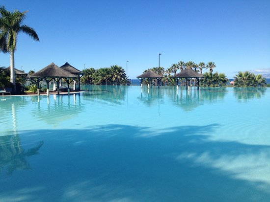 Gran Melia Palacio de Isora Resort & Spa: View of infinity pool