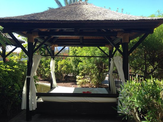 Gran Melia Palacio de Isora Resort & Spa: Our bali day bed
