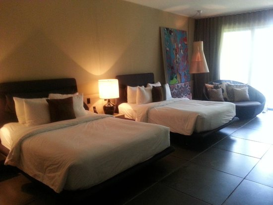 W Retreat & Spa - Vieques Island: Nice bed, and view