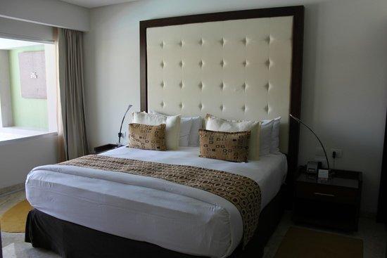 Paradisus Playa del Carmen La Perla: Master Suite Bed