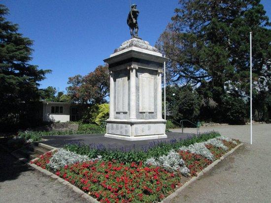 Queen Elizabeth Park : QE Park Cenotaph