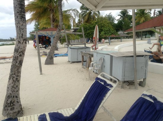Jolly Beach Resort & Spa : autre kiosque sur la plage...