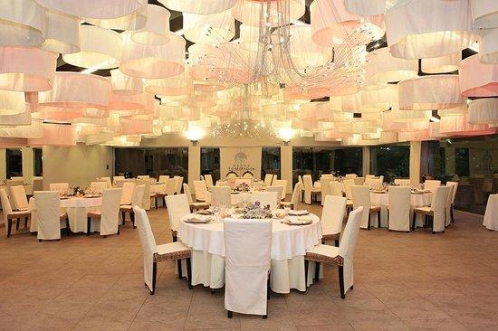 RV Hotel Palau Lo Mirador: Palau de vidre, carpa para bodas