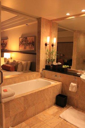 Mandarin Oriental, Miami: salle de bain