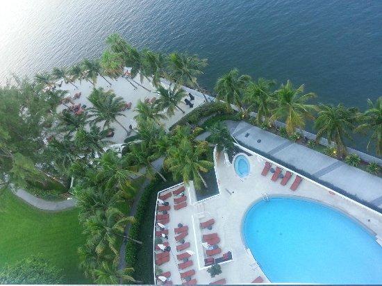 Mandarin Oriental, Miami : la plage et la piscine