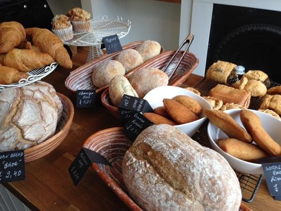 Norfolk Street Bakery : Freshly baked artisan breads and wonderful fried parcels