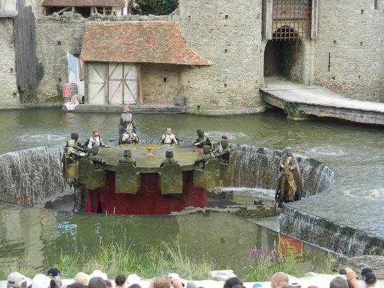 Les chevaliers de la table ronde foto van le puy du fou - Les chevaliers de la table ronde puy du fou ...