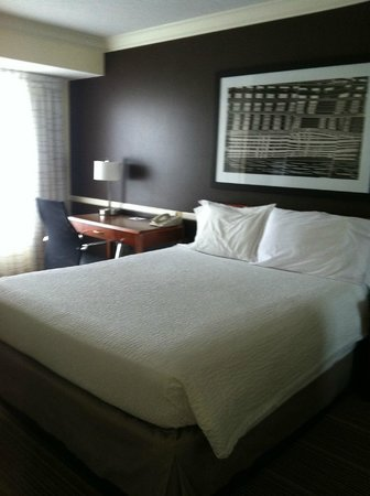 Residence Inn State College: 2 bed/2 bath suite