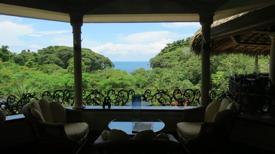 Hotel Cuna del Angel : View of the Pacific from the reception area.
