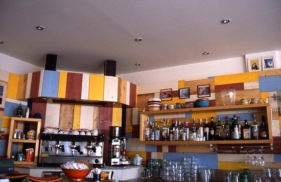Bagno tre stelle ristorante bar con musica dal vivo bild von