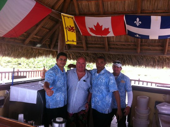 Hotel Playa Cayo Santa Maria: The Beach Bar Crew