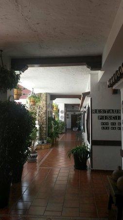 Las Rampas: Hotel courtyard area