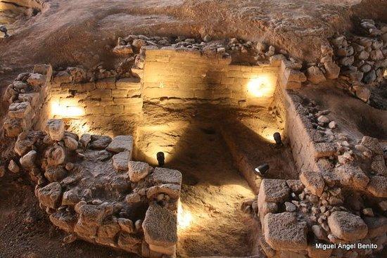 Museo y Parque Arqueologico Cueva Pintada : Detalle del yacimiento