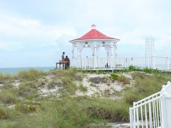Hotel Playa Cayo Santa Maria Newly Painted Beach Wedding Venue
