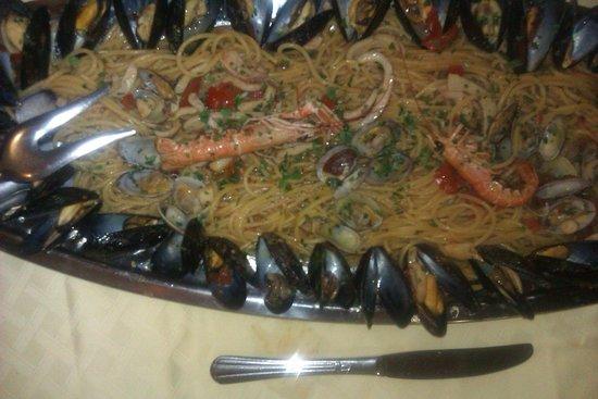 Delizie Di Mare: spaghetti allo scoglio