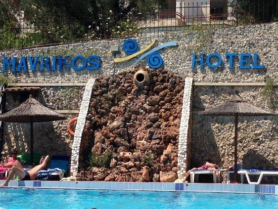 Hotel Mavrikos: Pool View