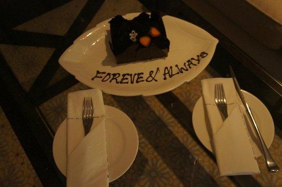 Hilton Ras Al Khaimah Resort & Spa: Birthday Cake