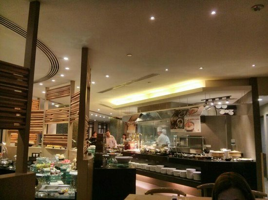 Rendezvous Hotel Singapore by Far East Hospitality: Restaurante muito bom!