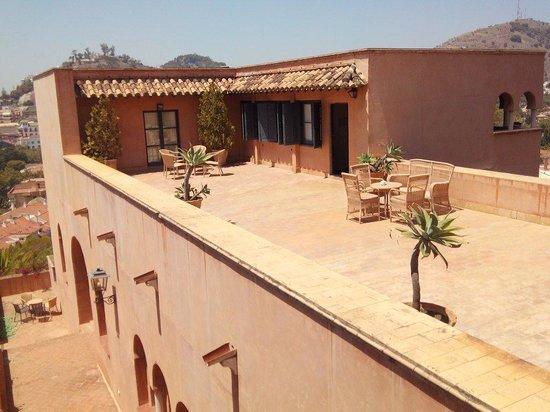 Hotel Castillo de Santa Catalina: Terrasse mais pas pour la chambre 2 !