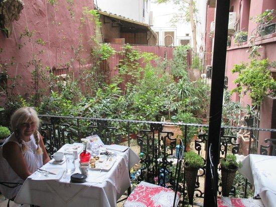 Faik Pasha Hotel: My beautiful wife in the breakfast area