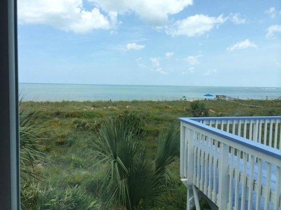 Bayfront Marin House Historic Inn: Overlooking the ocean
