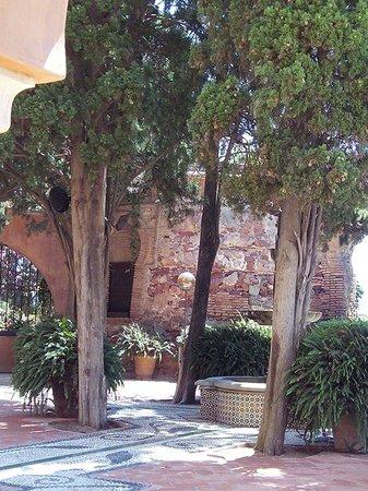 Hotel Castillo de Santa Catalina: Jardins