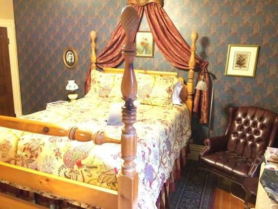 Castle Marne Bed & Breakfast: Lang