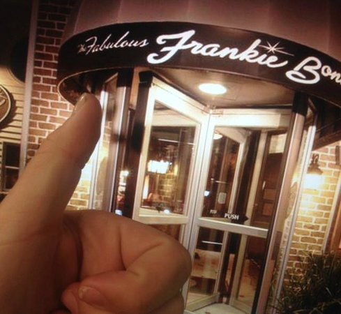 Frankie Bones Restaurant and Lounge: THUMBS UP mmmm