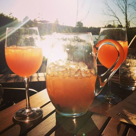 Greg's Grill: Sangria