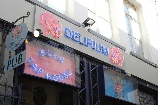 Delirium: Fachada