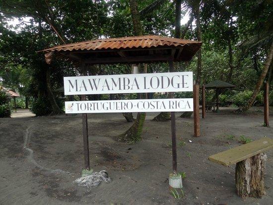 Mawamba Lodge: entree du domaine
