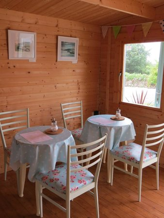 Green Pig Farm Tea Rooms: Inside tea room