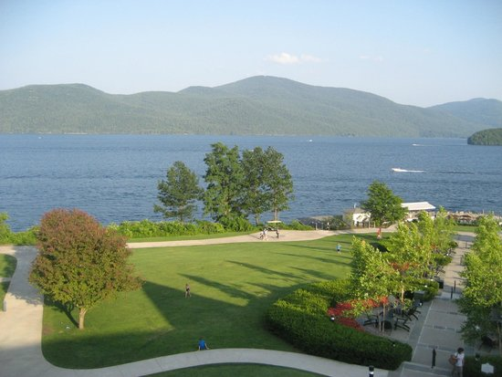 The Sagamore Resort: View of South East lawn from our dinner table.