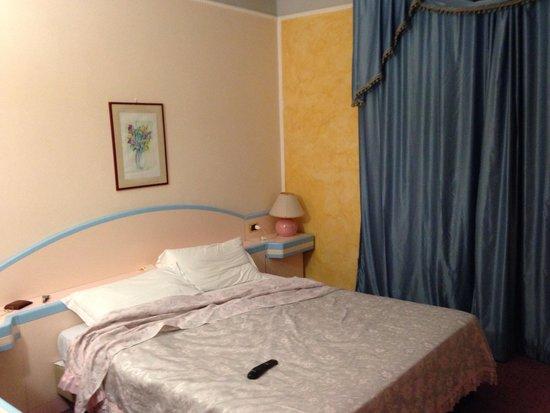 Hotel Grazia Deledda : Camera
