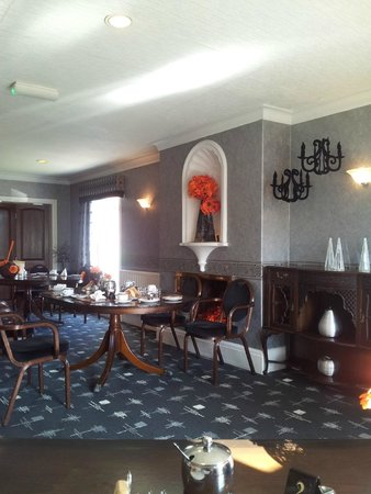 Park Manor Hotel : Dated dining room