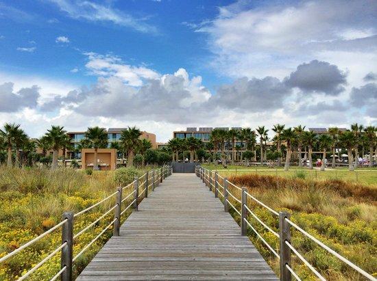 Salgados Dunas Suites: Acceso privado a la Playa