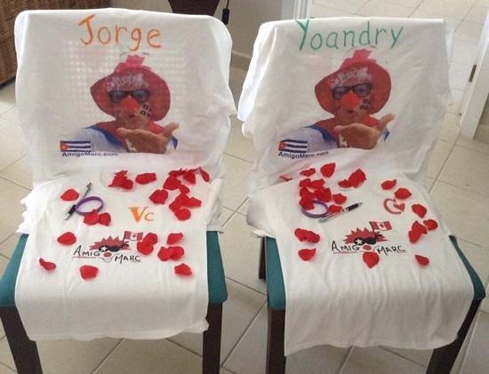 Hotel Playa Cayo Santa Maria : Cadeaux de Jorge et Yoandry ( CAMAREROS ) reçu d'Amigo Marc.
