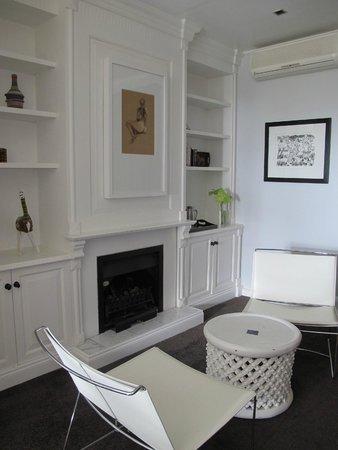 Kensington Place: sitting area