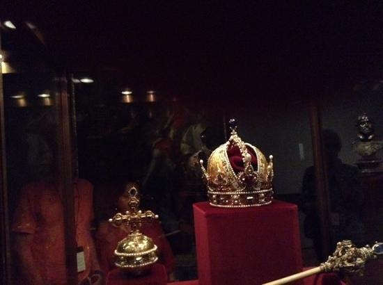 Imperial Treasury of Vienna: crowns