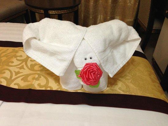 Cedar Hotel: elefantino