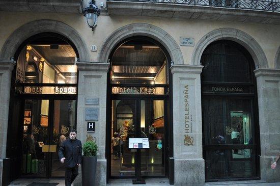 Hotel Espana: Front entrance
