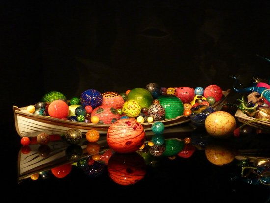 Chihuly Garden and Glass : Glass Objects In Boat