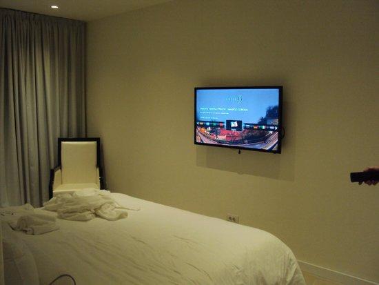 Hotel 9: smartTV