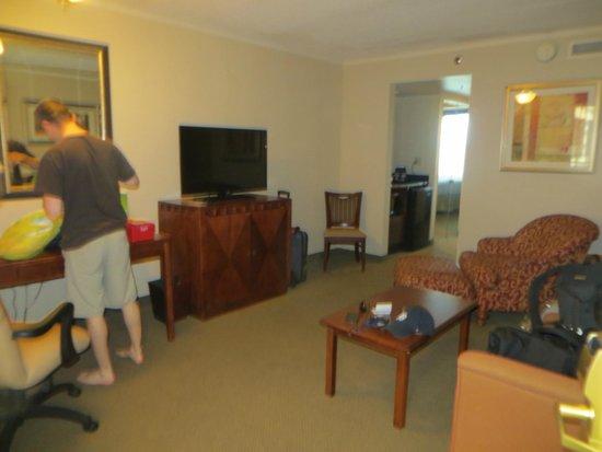 DoubleTree Suites by Hilton Hotel Philadelphia West: Living area