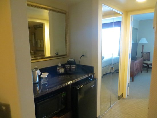 DoubleTree Suites by Hilton Hotel Philadelphia West: Kitchenette