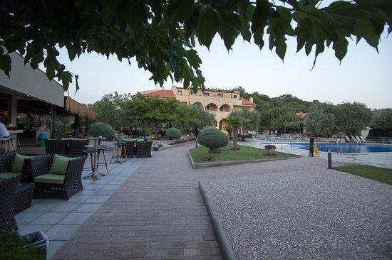 Atrium Hotel Thassos: Atrium 2