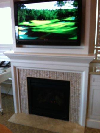 Wequassett Resort and Golf Club: Cozy fireplace
